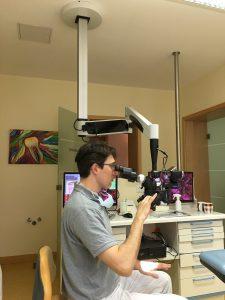 Flexion Dentalmikroskop Deckenmontage